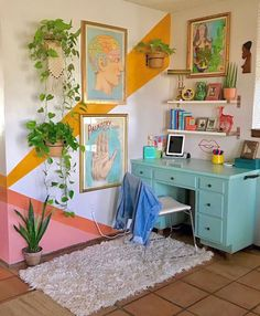 Home Interior Design One of the coolest home offices I've ever seen - Innenarchitektur Schlafzimmer - Aesthetic Rooms, House Interior, Apartment Decor, Aesthetic Room Decor, Home, Retro Home Decor, Retro Home, Chic Home Decor, Home Decor
