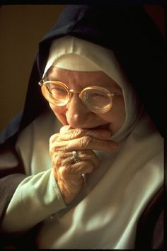 """nun-spam: """" Sister of the Poor Clares """""""