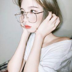 We provided more than free asian beauty, model sexy image galleries Korean Aesthetic, Aesthetic Girl, Cute Korean Girl, Asian Girl, Korean Glasses, Ulzzang Glasses, Short Hair Glasses, Model Tips, Circle Glasses