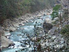 @ Nepal - river along the trek