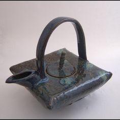 Elizabeth Wamsley: Folded Fish teapot