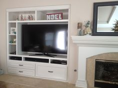 DIY entertainment center plans - Home entertainment centers provide space for TV and additional storage space in the living room / family. Small Space Living Room, Living Room Modern, Small Spaces, Living Rooms, Built In Entertainment Center, Entertainment Room, Built In Cabinets, Storage Solutions, House Plans