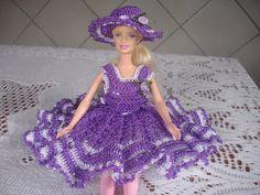 barbie com vestido lilás