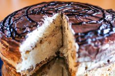Marengs sjokolade Pudding Desserts, Cookie Desserts, Kahlua And Cream, Recipe Boards, Cream Cake, Let Them Eat Cake, Baked Goods, Cake Recipes, Food And Drink