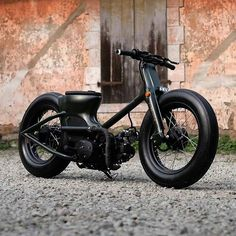 """utwo: """" Honda Army Matte © dapper garage """" …Work with what you've got… Cafe Racer Bikes, Cafe Racer Motorcycle, Custom Moped, Custom Bikes, Cool Motorcycles, Triumph Motorcycles, Ducati, Vespa Vintage, Best Motorbike"""