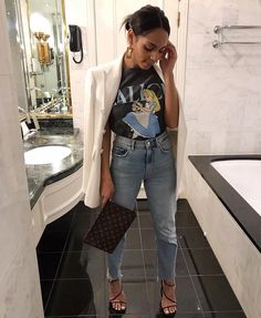 Zara Look Aboutfny outfit inspiration Zara Look Aboutfny . - Zara Look Aboutfny outfit inspiration Zara Look Aboutfny outfit inspiration - Zara Outfit, Outfit Jeans, Blazer Jeans, Zara Blazer, Zara Shirt, Mode Outfits, Trendy Outfits, Fashion Outfits, Womens Fashion