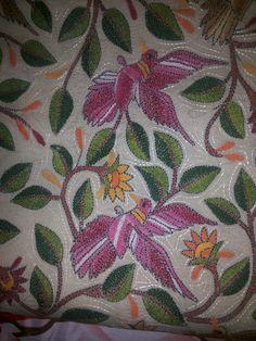Birds in Thread - Kantha embroidery Bird Embroidery, Embroidery Motifs, Indian Embroidery, Hand Embroidery Designs, Saree Painting Designs, Kutch Work, Indian Crafts, Kantha Stitch, Running Stitch