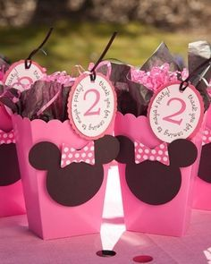 Minnie Mouse Favors- so making this for Ashs bday next month Minie Mouse Party, Minnie Mouse Favors, Minnie Mouse Birthday Theme, Mini Y Mickey, Mickey Party, 2nd Birthday Parties, Birthday Ideas, Personalized Party Favors, Mouse Parties