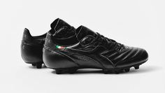 uk availability 29ec7 e99de Diadora Brasil Italy OG Blackout Soccer Boots, Football Shoes, Soccer  Cleats, All Black