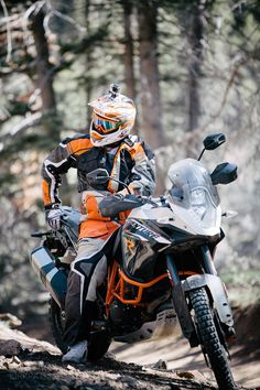 Waiting for the others. Gs 1200 Adventure, Ktm Adventure, Trail Motorcycle, Motorcycle Travel, Dual Sport, Touring Bike, Flirt, Racing Motorcycles, Hummer