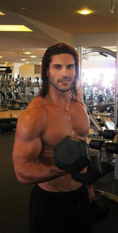 KELLEN JAMISON and that Oh My God HOT BODY........Wish I could 'workout' with him: D :D :P ;)