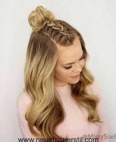 #neu Trendy Halb Bun Frisuren für Damen #Lange Frisuren#haar#Friseur#haar#best#Frisuren#hairstyles