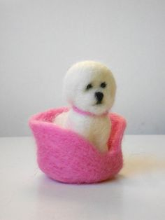 Bichon Frise Needle-Felted Dog 'Daisy' with Pink Bed