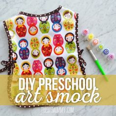 sewing gifts for men Sew a Simple Preschool Art Smock - Sewing Patterns For Kids, Sewing Projects For Kids, Sewing For Kids, Diy For Kids, Clothes Patterns, Art Projects, Apron Patterns, Dress Patterns, Sewing Art