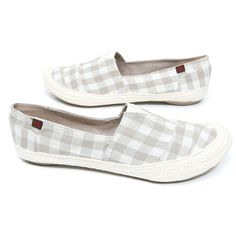 Just ordered these shoes! This website has an amazing selection for women with big feet (like me)!!!