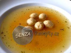 Zlatá kuřecí polévka s kuřecími knedlíčky