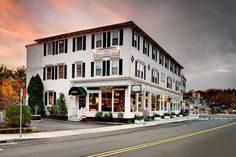 The Whaler's Inn - Mystic, CT  suggestion: Hoxie House with whirlpool tubs, gas fireplaces, and four-poster beds.  Near the Drawbridge. doubles $109-259
