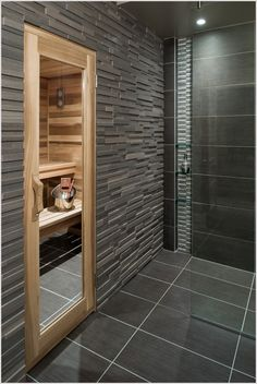 bad mit sauna planen was muss man beachten badezimmer pinterest graue fliesen. Black Bedroom Furniture Sets. Home Design Ideas