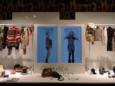 Vitrines Galeries Lafayette - Paris, septembre 2010 www.instorevoyage.com   #in-store marketing #visual merchandising