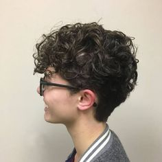 Curly Pomp hairstyle