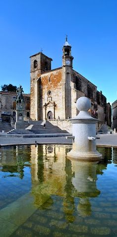 Saint Martin church in Trujillo - Cáceres, Spain Places To Travel, Places To See, Places Around The World, Around The Worlds, Wonderful Places, Beautiful Places, European City Breaks, Balearic Islands, Spain And Portugal
