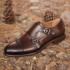 Handcrafted Custom Made Double Monks in Dark Brown Painted Calf Leather From Robert August. Create your own custom designed shoes. Comfortable Mens Dress Shoes, Mens Casual Dress Shoes, Mens Dress Outfits, Formal Shoes For Men, Men Dress, Men Casual, Big Men Fashion, Mens Fashion Shoes, Dress Fashion
