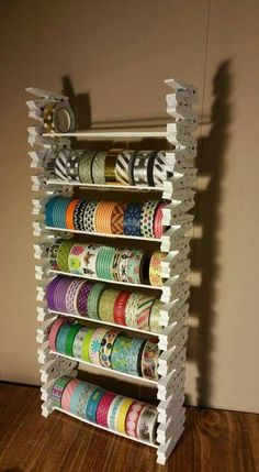 No instructions, but very clever and easy to do! sew einfach clothes crafts for beginners ideas projects room Craft Room Storage, Sewing Room Storage, Sewing Room Organization, My Sewing Room, Sewing Rooms, Craft Ribbon Storage, Craft Storage Solutions, Ribbon Organization, Scrapbook Organization