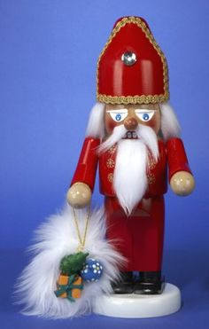 Christmas: Steinbach Chubby St. Nicholas Nutcracker...Collect these...1 a year. Love them!!!