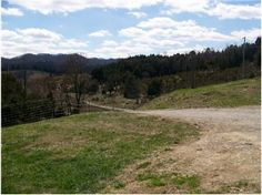 1999 Single wide on 13 acres -- Private, mountain views, ponds, barn, and more. $105,900