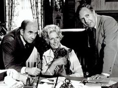 Edición en formato doméstico de la primera temporada de la mítica serie de temática periodística, protagonizada por Edward Asner.