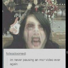 For some very ODD, STRANGE reason, Gee's face reminded me of Shrek... don't ask because I don't know the answer...