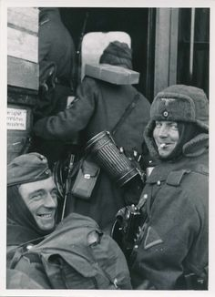 """The joyful faces of soldiers of the Wehrmacht-""""finally go on the eastern front"""""""
