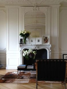 Carine Roitfeld's Apartment, Paris. - So elegant and chic. Modern minimalism meets classic French architecture.