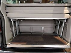 Reardrawer for California Beach with multiflexboard This rear drawer was designed for the California Beach with multiflexboard. It is a modular kit of aluminum . Bed Extension, Vw Beach, Guide System, Bus Camper, Vw T5, Side Wall, California Beach, Back Seat, Aluminium