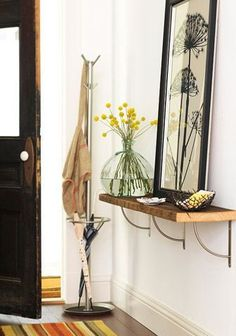 53 Ideas For Diy Table Console Entryway Small Spaces Design Hall, Console Design, Entry Way Design, Apartment Entryway, Entryway Shelf, Entryway Decor, Entryway Ideas, Hallway Ideas, Foyer Decorating