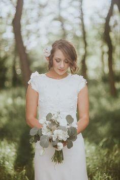 Pretty cap-sleeve wedding dress | Image by Alchemy Creative