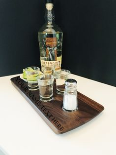 Tequila Serving Tray Set - Walnut Tray with Salt Shaker, Bowl, & 4 Heavy Base Shot Glasses - Can Be Personalized! - Tequila Gift Set Tequila Tasting, Whisky Tasting, You And Tequila, Color Streaks, Tasting Table, Shot Glasses, Scotch Whisky, Natural Wood, Salt