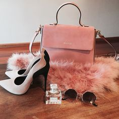 baby pink accessories <3