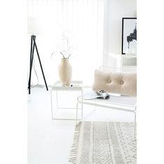 White painted floors. ..NEW BLOGGSPOT! ....lurer du på å male dine gulv hvite? Les blogginnlegget mitt for råd :):)www.idylloghim.blogspot.com. ........ @nordsjonorge @nordsjosverige #Idylloghim #bloggspot #hvitegulv #maltegulv #whitefloors #nordicinspiration #scandinavianhome #softcolors #livingroom #nordsjønorge #painting #nordsjømaling #det #decoration #onlydecoration #skandinaviskehjem #ninterior #vakrehjemoginterior