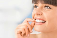 Uno de los mejores tratamientos dentales para enderezar los dientes es invisalign. Este tratamiento de ortodoncia también es conocido como ortodoncia invisible.#dentistaenmajadahonda #clinicadentalenmajadahonda #revisiondentalenmajadahonda #limpiezadentalenmajadahonda #saludbucalenmajadahonda #higieneoralenmajadahonda #clinicadentaldraherrero #dentalarroque #odontologoenmajadahonda #odontologiaenmajadahonda #majadahonda Dental Veneers, Dental Braces, Dental Surgery, Dental Implants, Fix Teeth, Lingual Braces, Ceramic Braces, Types Of Braces, Dental Bonding