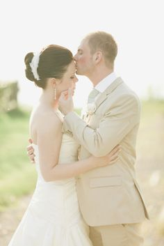 Style Me Pretty   Gallery & Inspiration   Subject - Bride And Groom   Picture - 1030448