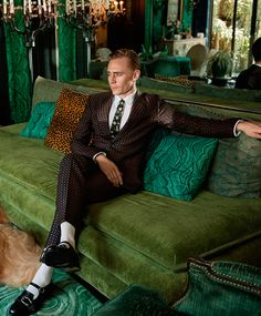 GQ: Gucci and Tom Hiddleston Are Teaming Up to Sell You Suits. Link: http://www.gq.com/story/gucci-tom-hiddleston-ad-campaign-suits?mbid=social_twitter Click here for full resolution: http://i.imgbox.com/nAL8teE3.jpg