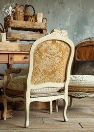 The back of Shabby French Chair. Motivation to finish my upholstery project. French Furniture, Shabby Chic Furniture, Painted Furniture, French Decor, French Country Decorating, Muebles Shabby Chic, Antique Armchairs, Love Chair, Shabby Home