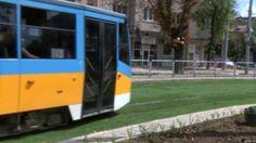 A tram running on the grass-covered tracks Nova Tv, Noise Pollution, Craft Club, Summer Heat, Garden Crafts, Go Green, Bulgaria, Grass, City