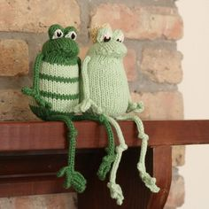 Frog Prince (Plain or Fancy) - PDF Knitting Pattern @Melanie Bauer Bauer Winsted you need a frog prince above your fireplace!