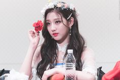 K Pop, Yein Lovelyz, Pop Photos, Girl Bands, Girl Group, Idol, Hair Accessories, Female, Flower Crowns