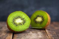 Rustic kiwi still life. Food photography ~ Food styling. www.flaviamorlachetti.com