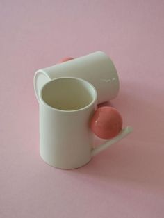 L'e-shop de la semaine : Boom Boom | MilK Ceramics Pottery Mugs, Porcelain Ceramics, Ceramic Pottery, Ceramic Pitcher, Ceramic Cups, Ceramic Art, Gift Box Design, Dining Ware, Clay Mugs