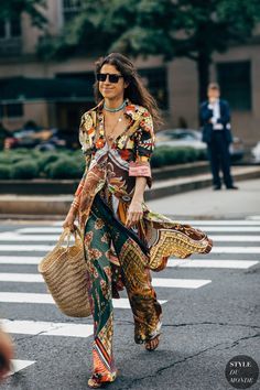 New York Fashion Week Delivered All the Street Style You've Been Waiting For Leandra Medine, Street Style Trends, Autumn Street Style, Street Styles, Nyfw Street Style, New York Fashion, Fashion Week, Womens Fashion, Fashion Trends