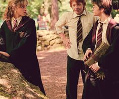 Emma Watson, Rupert Grint, Daniel Radcliffe, Alfonso Cuarón - Harry Potter and the Prisoner of Azkaban set Harry Potter World, Images Harry Potter, Mundo Harry Potter, Harry Potter Love, Harry Potter Characters, Harry Potter Universal, Harry Potter Fandom, Harry Potter Tumblr, Harry Et Hermione